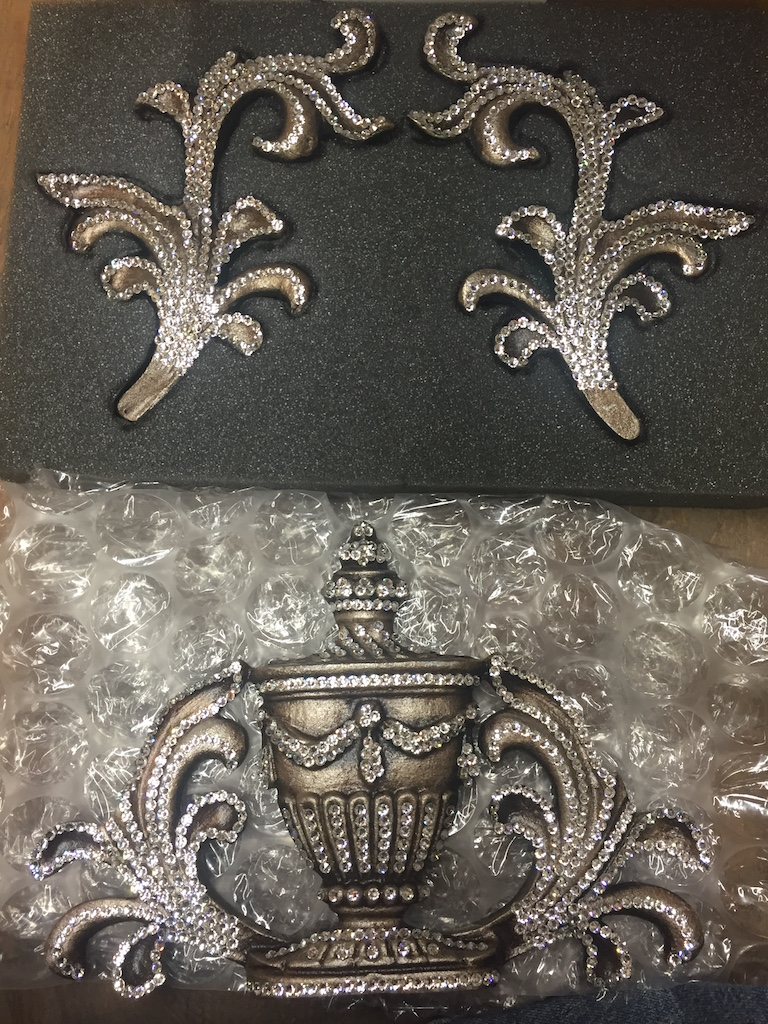 royal-vase-crown-3PC-combo-drapery-hardware