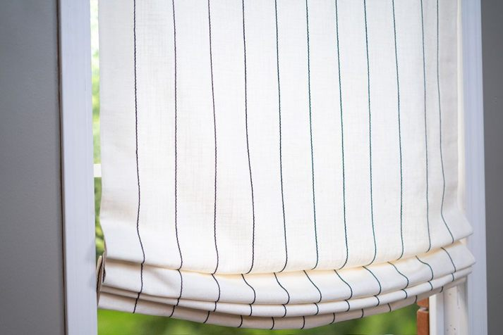 Classic-Roman-Linen-Stripe-Blue-White-2